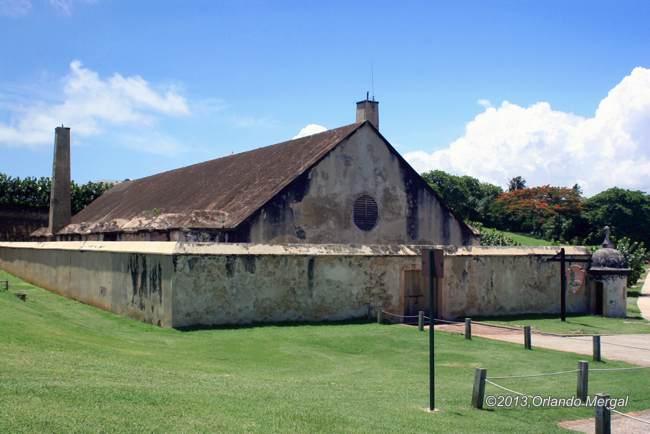 powder-house-at-fort-san-felipe-del-morro-650px