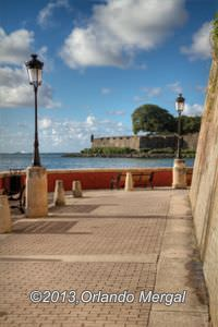 Old San Juan is getting cleaner, although the pressure wash of the city wall was pure heresy! Click on the image to see it larger