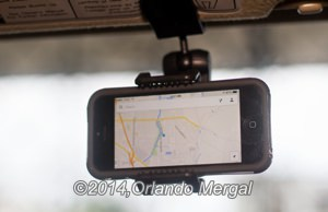 iphone-car-holder-google-maps-300px