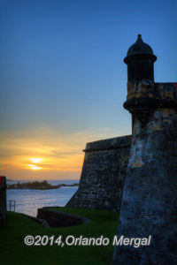 here's one of those glorious sunsets that you can only catch at El Morro. Click on the image to see it larger.